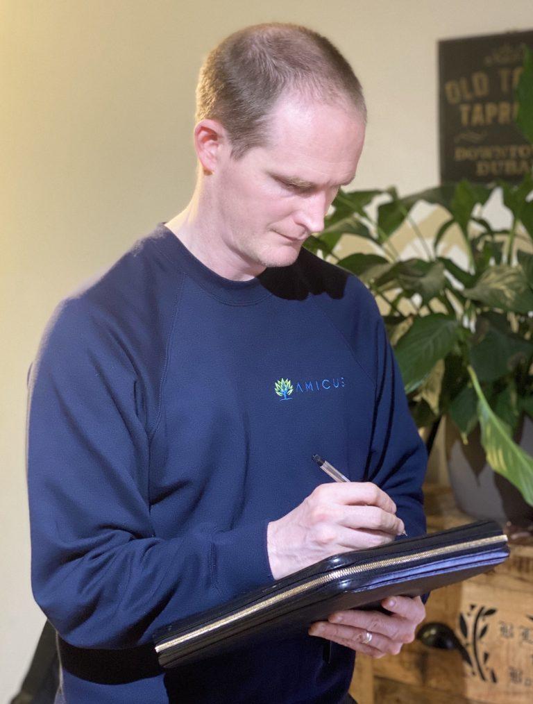 An Amicus Pest Control Technician